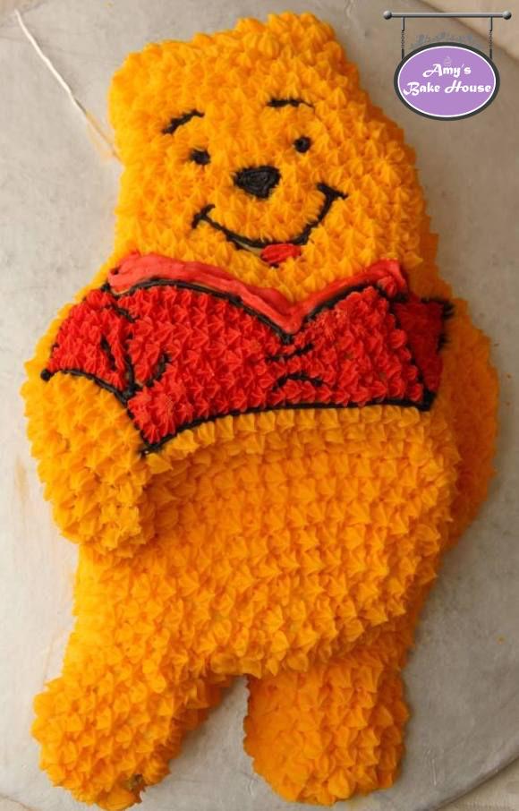 Winnie Pooh Bear Birthday Cake