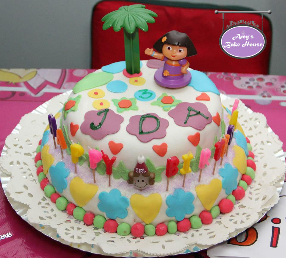 Sponge Vanilla Birthday Cake