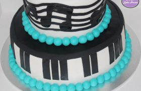 MusicNoteBirthdayCake (3)